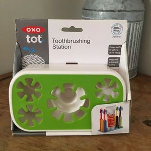 OXO Tot Toothbrush and toothpaste holder